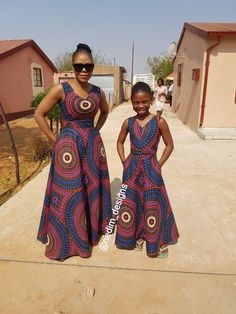 Mommy and Daughter in Ankara Maxi Dresses. But with a better fitting cut on the daughter dress Ankara Maxi Dress, African Maxi Dresses, Latest African Fashion Dresses, African Dresses For Women, African Wear, African Attire, African Women, African Style, African American Fashion