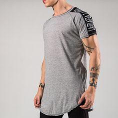 Camiseta Insertion @ LaMafia - Lamafia Street Style, Casual T Shirts, Men's Collection, Look, Active Wear, Shirt Designs, Street Wear, Mens Fashion, Shirt Dress