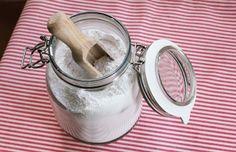 Chcete všechny ingredience na výrobu pracího prášku? Zde můžete koupit celý balíček! Celé mýdlo nastrouhám a smíchám s kilem sody na praní. Doporučuji mít jedno speciální struhadlo na mýdla. Pozor je rozdíl mezi jedlou sodou a sodou na praní. Sodu na praní si můžete vyrobit i ze sody jedlé k tomu se brzy dostanu na blogu, ale na druhou stranu je jednodušší si jí koupit:)