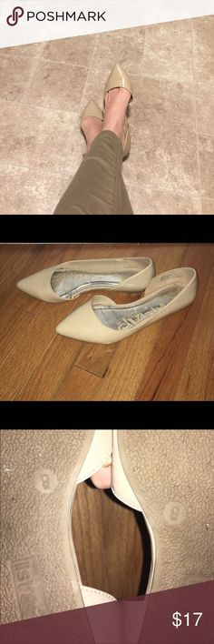 Beautiful Cream Flats! Reposh! Too big sadly :( these are so pretty in great condition!! 💜 Shoes Flats & Loafers