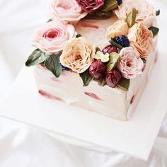 요즘 스퀘어케이크 풍년 #flowercake #buttercreamcake #studentswork #buttercake…