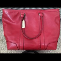 Coach Business Tote Excellent condition. Leather. Perfect for work! Coach Bags Totes