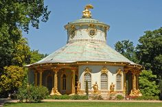 The Chinese House, designed by Johann Gottfried Büring between 1755 and 1764; a pavilion in the Chinoiserie style: a mixture of rococo elements coupled with Oriental architecture. Sansoucci Park Potsdam, Germany