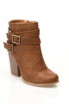 Buckle Boots / Wild Diva $15