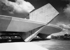 Architecture of the Week: The Paulistano Athletic Club, Sao Paulo; by Paulo Mendes da Rocha Gothic Architecture, Architecture Design, Beautiful Architecture, Concrete Architecture, Futuristic Architecture, Contemporary Architecture, Landscape Architecture, Club Athletico Paulistano, Concrete Structure