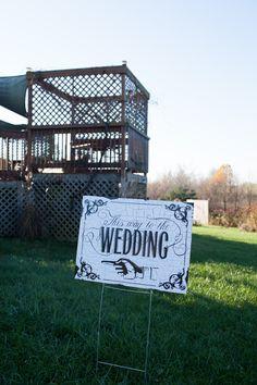 Pretty signs for wedding guests!  Photo by: Sweet Tea Weddings.   #ptopofthebluegrass #ptopweddings2016 #weddingceremony #weddingreception #weddingsigns #weddingsignage #weddingguests #weddingdecor #weddingideas #wineryweddings #weddingphotography #outsideweddings