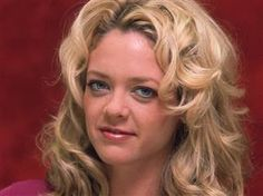 Troubled 'That 70s Show' actress Lisa Robin Kelly, who played Eric Forman's older sister, has died at 43, her agent says. (via @TODAY Entertainment; photo via Getty Images file)