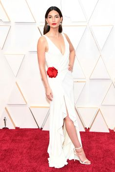 Lily Aldridge in Ralph Lauren - The 20 Best Dressed Celebrities on the Oscars 2020 Red Carpet White Gowns, White Maxi Dresses, Red Carpet Dresses, Nice Dresses, White Dress, Dress Red, Formal Dresses, Lily Aldridge, Dior Haute Couture