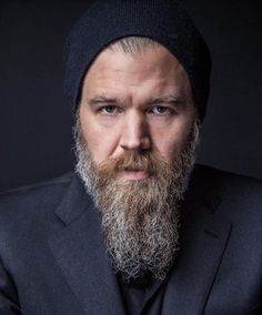 "Ryan Hurst star of the WGN Television series, ""Outsiders"" photographed during New York Comic Con 2016 on Sunday October 2016 in New York, New York. Medium Beard Styles, Long Beard Styles, Beard Shapes, Face Shapes, Patchy Beard, Ryan Hurst, Beard Humor, Short Beard, Long Beards"