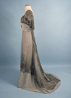 Jacques Doucet Beaded Silk Evening Gown, c. 1900s Fashion, Edwardian Fashion, Vintage Fashion, Club Fashion, Edwardian Gowns, Edwardian Clothing, Vintage Clothing, Vintage Outfits, Vintage Gowns