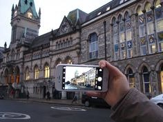 Here there is the Guildhall of the city. This Victorian building hosts weddings, concerts, exhibitions, meetings...It's ideal for people who are looking for elegance, tradition and originality!