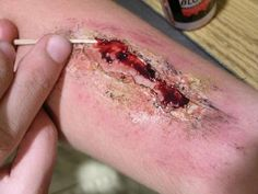 Special Effects Make-up: how to make a fake wound for the theatre!
