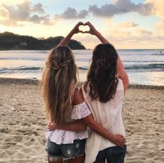 Asi picture ideas, best friends, best friend goals, bff pictures, i Bff Images, Photos Bff, Best Friend Pictures, Beach Photos, Friend Pics, Bff Pics, Sister Pics, Sister Picture Poses, Sister Beach Pictures