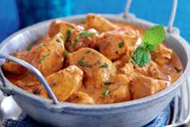 Chicken curry Recipes Slimming World A jar of curry sauce can be upwards of 30 Syns! Spice up your slimming with this creamy curry thats completely Free! Slimming World Dinners, My Slimming World, Slimming World Recipes, Healthy Curry Recipe, Curry Recipes, Healthy Eating Recipes, Cooking Recipes, Uk Recipes, Healthy Food