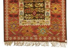 Romania, kilim, about 1920 Moldova, Kilims, Traditional Rugs, Romania, Carpets, Sewing Ideas, Florals, Bohemian Rug, Ethnic