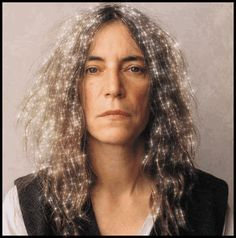 Champagne Management | this is the most beautiful thing I've ever seen. Patti Smith, Thats Not My Age, Just Kids, Grey Hair Styles For Women, Grey White Hair, Gray Hair, Garance, Robert Mapplethorpe, Advanced Style