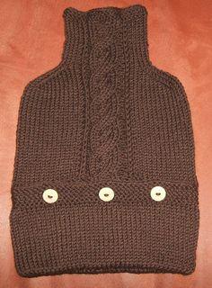 handgestrickter+brauner+Wärmflaschenbezug+von+Der+Family-Shop+auf+DaWanda.com