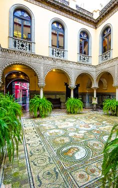 Patio del Palacio de la Condesa Lebrija in Sevilla, calle cuna Religious Architecture, Architecture Design, Spanish Courtyard, Seville Spain, Moroccan Design, Spanish House, Madrid, Algarve, Spain Travel