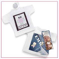 Opvallende geboortekaartje in de vorm van een Mini T-shirt