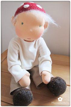 Pflanzenfaerberin: Puppengesichter sticken