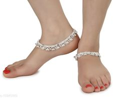 Checkout this latest Anklets & Toe Rings Product Name: *AanyaCentric 1 Pair Pure Silver Plated White Metal Anklets Indian Traditional Ethnic Fancy Payal for Women Girls * Sizes:Free Size Country of Origin: India Easy Returns Available In Case Of Any Issue   Catalog Rating: ★4.2 (513)  Catalog Name: AanyaCentric 1 Pair Pure Silver Plated White Metal Anklets Indian Traditional Ethnic Fancy Payal for Women Girls CatalogID_2024054 C77-SC1098 Code: 503-10940389-9451