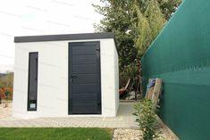 Moderný záhradný domček v bielej omietke s antracitovými dverami Hormann LPU40 Garden Ideas, Garage Doors, Outdoor Decor, Home Decor, Decoration Home, Room Decor, Carriage Doors, Interior Decorating, Backyard Ideas