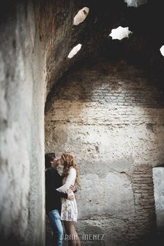Fotografias de Pre Boda en Granada. Pre Wedding Photographs in Granada Fotógrafo de Bodas en Granada, Cádiz, Jaén, Córdoba, Almería, Málaga, Sevilla, Andalucía. Termas Arabes, el Bañuelo. Paseo de los Tristes. Albaicin. www.franmenez.com