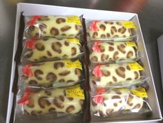Twinkie type cakes filled with choc cream and animal print outside from Tokyo...SO CUTE!