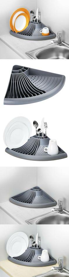 """Un égouttoir d'angle super pratique ! Égouttoir d'angle dimensions 49 x 34 x 9 cm de la marque Wenko pour les petites cuisines. Pratique et """"gain de place"""", avec un bac d'égouttement amovible."""