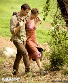 The Divergent Series: Insurgent~ I Liked She Dress She Had On In The Beginning