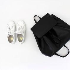 @aesencecom / minimal wardrobe essentials