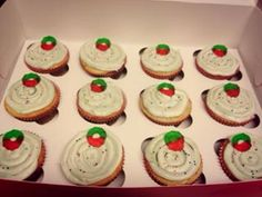 Christmas cupcake ready to donate @women shelter