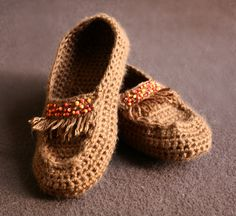 Moccasin style house shoes, free pattern.   Excellent tips & discussion in the Project tab   . . . .   ღTrish W ~ http://www.pinterest.com/trishw/  . . . .   #crochet #shoes #slippers