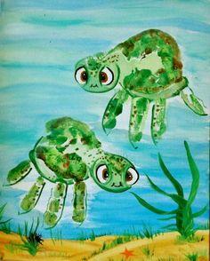 zwei schöne grüne schildkröten bild mit handabdruck