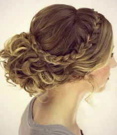 Gorgeous wedding hair!