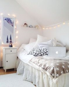 We've got everything you need to know about decorating your dorm room in neutrals!
