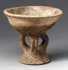 Tellem footed bowl, Mali, 13th century (pottery)