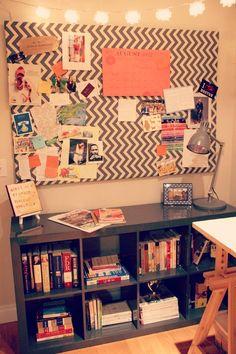 Corcho tapizado con tela, una idea original para completar la decoración de una habitación.