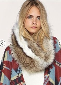 Stay warm with this cozy faux fur loop scarf from ASOS. When laid flat, x Fur Fashion, Love Fashion, Fashion Design, Fashion Clothes, Luxury Fashion, Loop Scarf, Scarf Wrap, Diy Scarf, Faux Fur Accessories