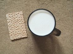 1. Хлебец 2. Кокотейль (банан/творог/молоко)