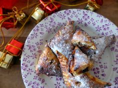 Ran out of mince pies? People coming over, or you just really need a mince pie to get you through? Never fear, my quick and easy Mince Pie puffs will come to your rescue. See bio for link. Good Food, Yummy Food, Tasty, Easy Mince Pies, Pie Shop, Puff Recipe, Mince Meat, Christmas Cooking, Baking Recipes