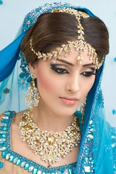 Personally, the eyes are a bit too much for me, but I love her jewelry, especially her headpiece! | Zaiba Khan Makeup Academy