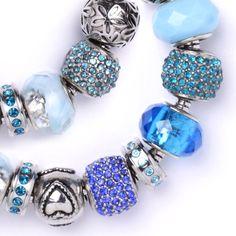 Koráliky s veľkým otvorom sú stále IN! Nezaostávajte a vyrobte si vlastný originálny náramok. Výroba je veľmi jednoduchá a zvládnu ju aj deti. Pandora Charms, Charmed, Bracelets, Jewelry, Fashion, Moda, Jewlery, Jewerly, Fashion Styles