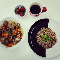 DIY Food. Triquinoa with marinated  stew  pork  rib. Strawberry and black coffee ☕