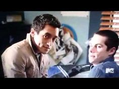 Stiles & Derek (Funny Scenes) - YouTube Sterek ya'll. An OTP that might actually become canon someday. We in the Sterek Fandom are keeping hope alive. This is s1 goodness.