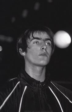 his eyebrows are what i live for Gene Gallagher, Lennon Gallagher, Liam Gallagher Oasis, Great Bands, Cool Bands, Liam And Noel, Damon Albarn, Britpop, The Fab Four