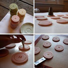 crafty cook-ups: Button Cookies Shortbread Cookies, Cake Cookies, Cupcake Cakes, Cupcakes, Un Diner Presque Parfait, Button Cookies, Great Recipes, Favorite Recipes, Dessert Bars