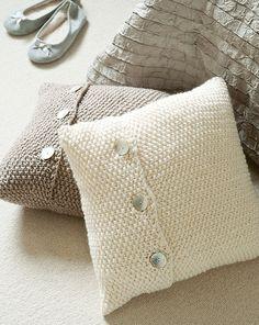 Moss-stitch cushions knitting pattern