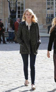 """Emma Stone visits """"Rodin Museum"""" in Paris with a friend.  Paris, 10-4-2012"""