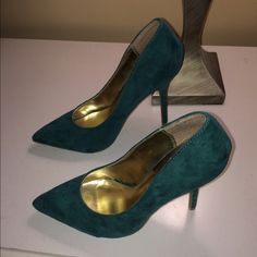 Teal pointed heels New without tags!!!These heels need someone who will wear them! I bought them too big for me and I've never worn them. I love the color and style! Charlotte Russe Shoes Heels